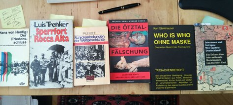 Books_on_table