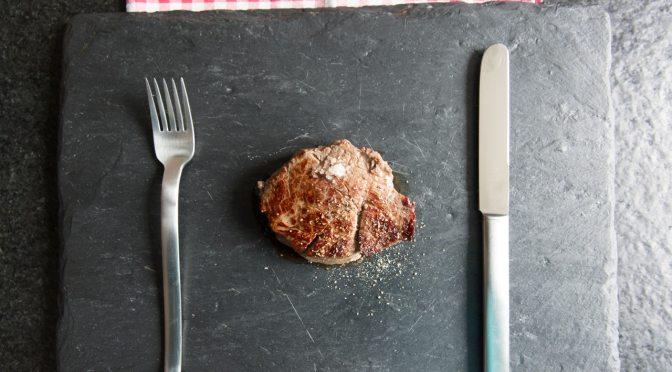 Dürfen wir Fleisch noch essen? Zwei Studien und eine Richtlinie geben die Antwort.